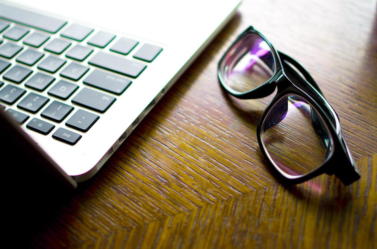 Comment limiter la fatigue occulaire liée aux écrans ?