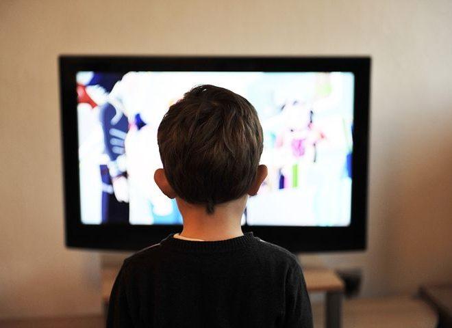 Pourquoi limiter le temps que passe un enfant devant un écran ?